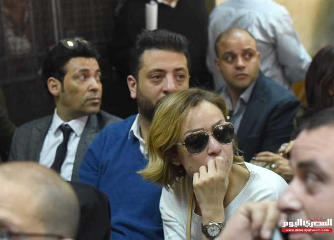 منع دخول الصحفيين ثاني جلسات محاكمة ريهام سعيد في «خطف ...